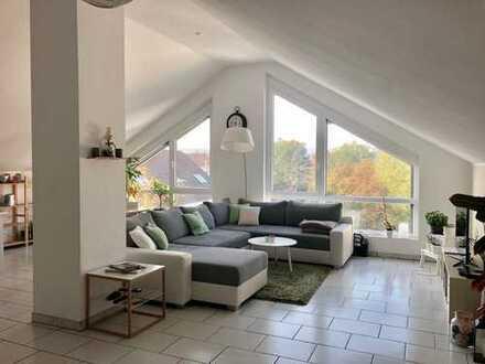 Wunderschöne 2-Zimmer-DG-Wohnung mit Einbauküche in Mühltal (prov.frei)