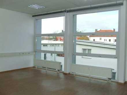 4-5 Zimmer Büro mit PKW-Stellplätzen in TOP-Lage im Inneren-Westen / 1 Min zum Gericht