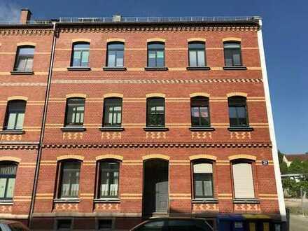 Echtholzparkett, Bad mit Wanne/Dusche/Fußbodenheizung! 3-Zi-Wohnung mit Sonnenbalkon in Marienthal!
