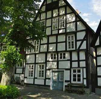 Freundliche 3-Zimmer-EG-Wohnung mit EBK in Halle (Westfalen)