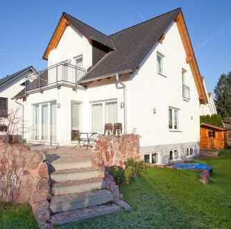 Luxuriöse Doppelhaushälfte in Aschaffenburg- Schlüsselfertig und Massiv!!