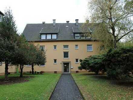 Schwelm-Martfeld: Gepflegte 3 Zi.-KDB (Dachgeschoss) mit Gartennutzung, ca. 48m²