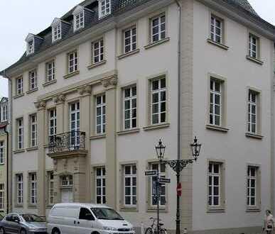 Großzügige 3-Zi-Altbauwohnung im Herzen der Carlstadt