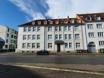 HVW Gemütliche 1 ZKB mit Balkon in gepflegter Wohnanlage, Nähe Villenviertel