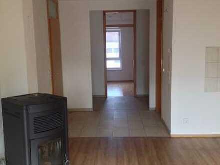 Gepflegte Wohnung mit drei Zimmern und Balkon in Bad Bergzabern