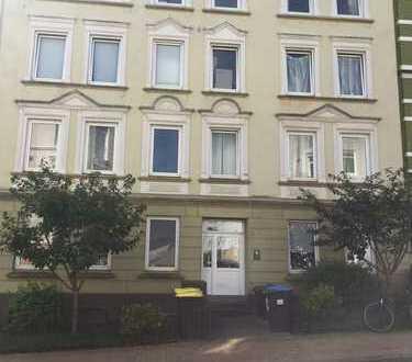 + Erstbezug nach Sanierung + 2,5-Zimmer-Wohnung der Terrassenstraße 11