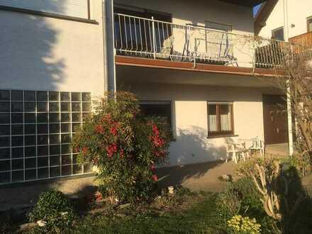 Möbliierte 58 qm-2-Zi-EG-Wohnung mit weitem Blick, max. 2 Jahre, mit Terrasse und EBK in Dielheim