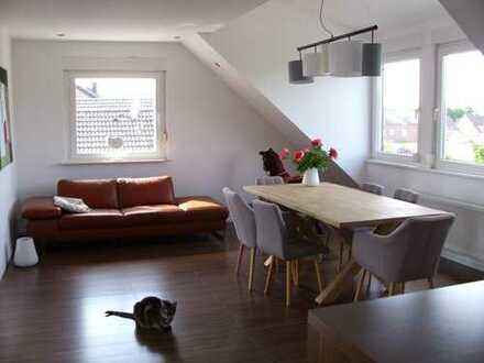 Sehr schöne und moderne 5-Zimmer Dachgeschosswohnung in Langenfeld