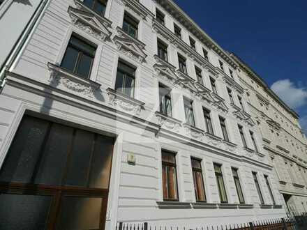 //Kleines schickes Appartement in Gohlis++Parkett++Balkon++Deckenspots++schickes Bad//