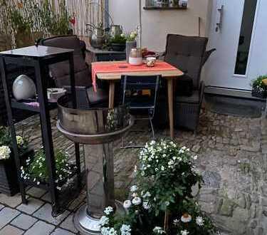 Vollständig renovierte 2-Zimmer-Wohnung/Haushälfte mit Einbauküche in Idstein, Idstein Dasbach