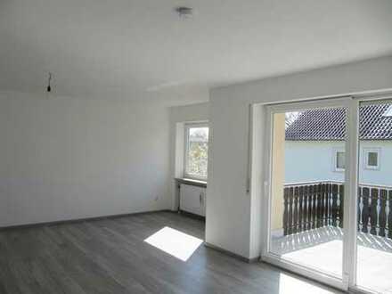 Top renovierte Dachterrassenwohnung mit Fernblick !