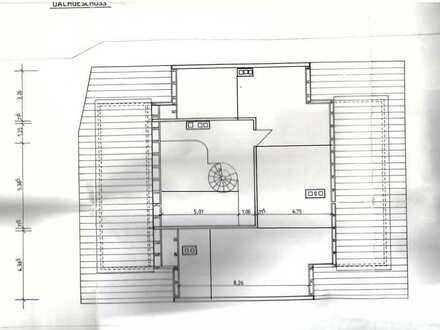 Tolle renovierte 5-Zimmer-DG-Wohnung über zwei Etagen im Zentrum von Hof