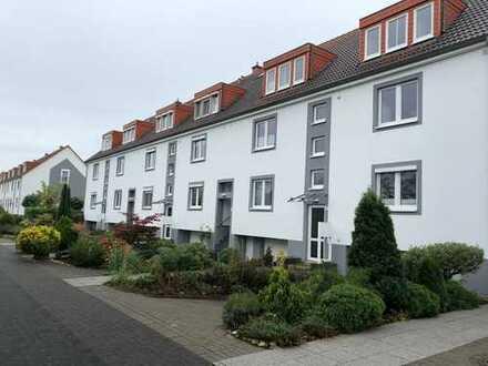 Haus im Haus mit Balkon (Südlage) und Einbauküche - Wohnqualität auf 2 Ebenen in beliebter Wohnlage!