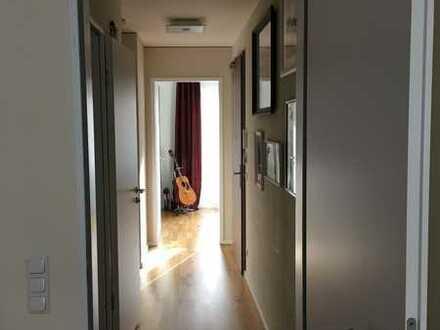 Moderne 5-Zimmer-Wohnung mit Balkon und Einbauküche unweit Hackescher Markt