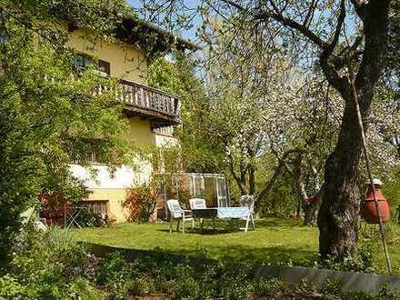 Altbauvilla mit großem, unverbaubarem Grundstück nahe dem Starnberger See / Seeblick