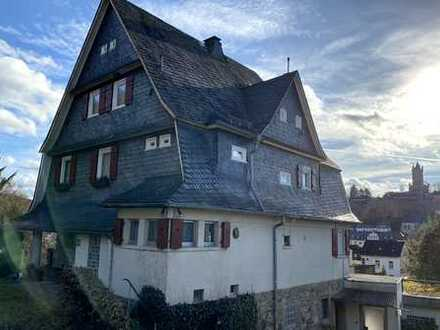 Das erste Haus am Weinberg - Stilaltbau für die große Familie, mit Einliegerwohnung/Büro/Praxis