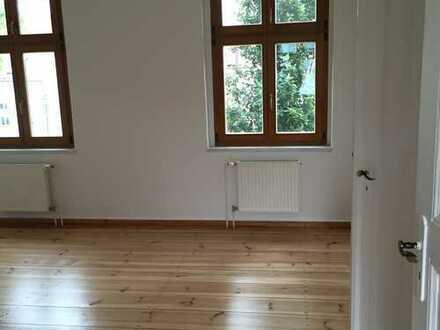 Altbauwohnung mit Holzdielen und Türen, geräumige 3-4 Zimmer, in Werneuchen am Rand von Berlin