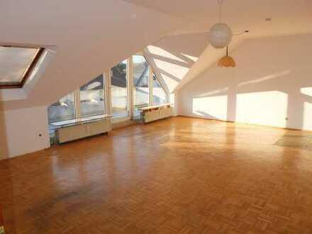 Helle 2-Zimmer-Dachgeschosswohnung mit Balkon in Dortmund-Kirchhörde