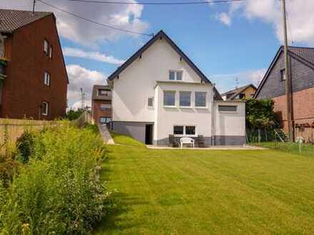 Hürth-Kendenich: Erstbezug. Einfamilienhaus mit Garten u. Garage. Einzugsfertig.