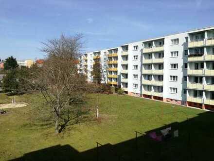 Einziehen & Wohlfühlen - 3-Raum-Wohnung mit Balkon und Wanne