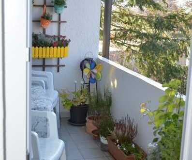 schöne sonnige gepflegte 3-Zimmer-DG-Wohnung mit Balkon in Metzingen-Neugreuth