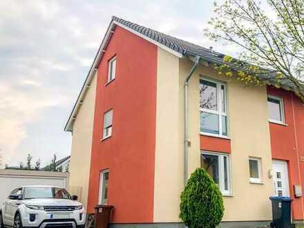 Schönes Haus mit Top Lage und sechs Zimmern in Rhein-Erft-Kreis, Hürth, Altstädten Burbach