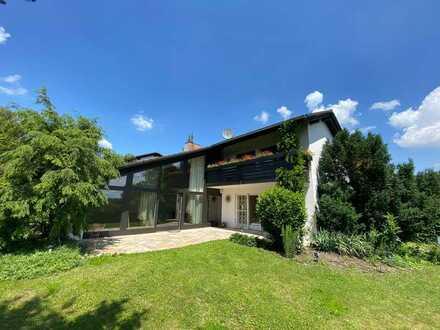 Gauting Toplage - schönes, ruhiges, neu renoviertes EFH mit großem Garten, Garage, FREI