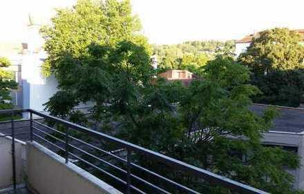 PF - City, Helles Zi ca.12qm, auch für 2 Pers. + geeignet, Südbalkon!