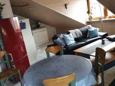 460 € kalt - 40.0 m² - 2.0 Zimmer - Dachgeschoss  Voll möbliert und voll ausgestattet.