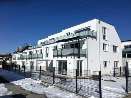 Erstbezug - Sehr schöne 3-Zimmer-Wohnung mit Balkon und EBK