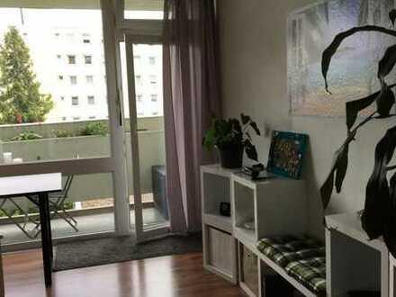 Gepflegte 1-Zimmer-Wohnung mit Balkon und EBK in Regensburg