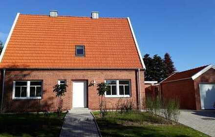 Vielseitig nutzbares Ein- oder Zweifamilienhaus auf großem Grundstück in zentraler Lage in Bösel.