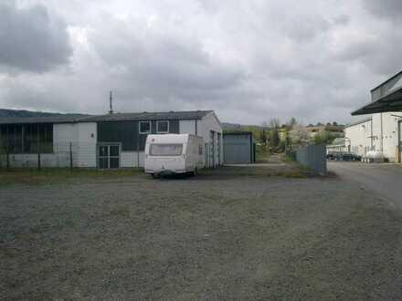 Stellplätze für Wohn-Wagen/Wohnmobile/Boote/Container - im Freigelände