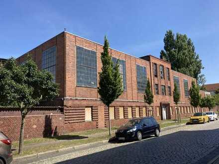 Halle 3700 m2 in Prenzlau Gesamtfläche 6000 m2 /an der B109 / Bau -Gewerbegrundstück / Industrie