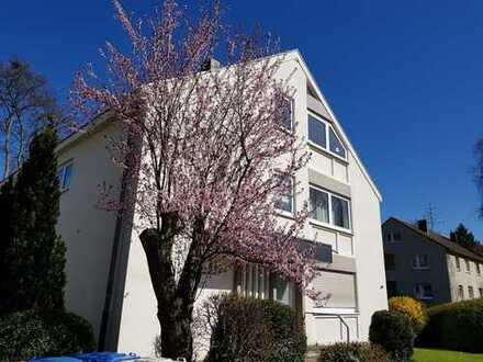 Schöne, helle 4-Zimmer Wohnung mit Balkon, Einbauküche in Bonn-Godesberg