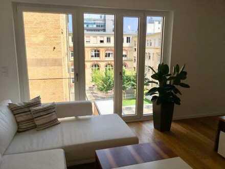 Stilvolle, neuwertige 3,5-Zimmer-Wohnung mit Balkon und Einbauküche in Stuttgart-West