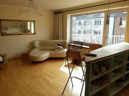*Provisionsfrei*: Wunderschöne, gepflegte Maisonette-Wohnung in Düsseldorf-Pempelfort