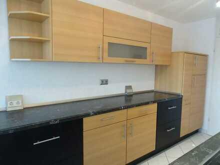 Geräumige 5-Zimmer-Wohnung mit Balkon - Waldrandnähe Sindelfingen