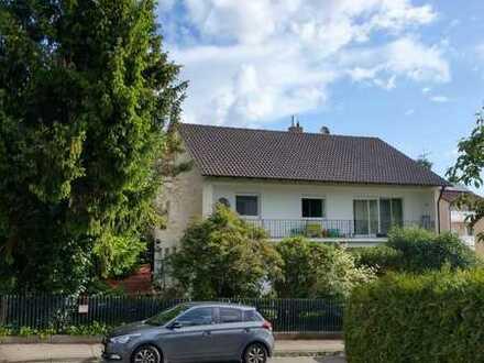 Schöne helle 4-Zimmer-Wohnung im Westen von Augsburg, Nähe Uniklinik