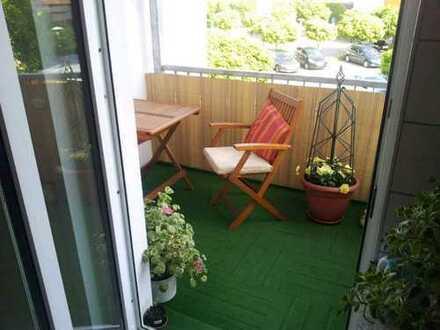 Schöne helle 2-Zimmer-Wohnung mit Balkon und Einbauküche in Güstrow
