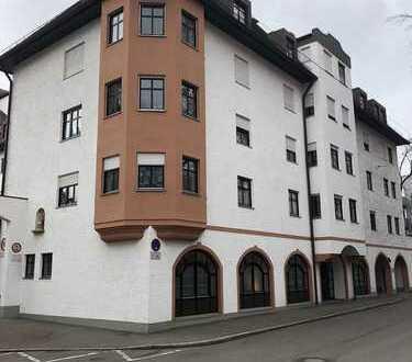 Tolle 3 Zimmer Dachwohnung mit Studio und zwei Balkonen im Herzen von AUGSBURG