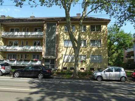 Helle, frisch renovierte 2-Zimmerwohnung in Duisburg-Marxloh