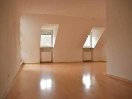 3 Raum Dachgeschosswohnung mit Loggia