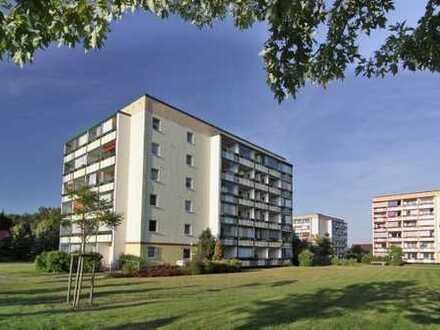 1-Zimmer-Wohnung mit verglastem Balkon in Rostock-Groß-Klein