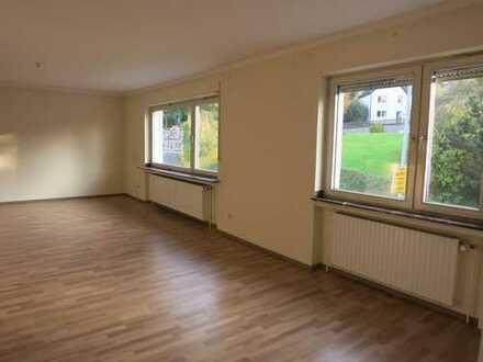 teilsanierte 94 qm Wohnung in Paderborn - Neuenbeken zu vermieten