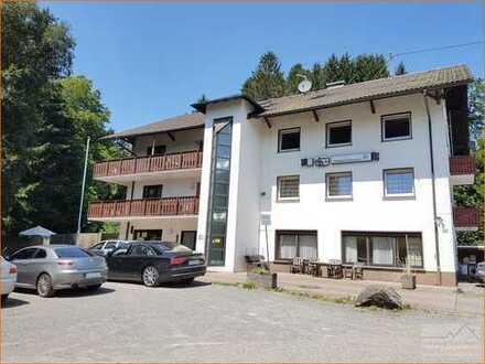 Hotel mit Restaurant 1100 m² verteilt auf 4 Stockwerke im Luftkurort  R i c k e n b a c h