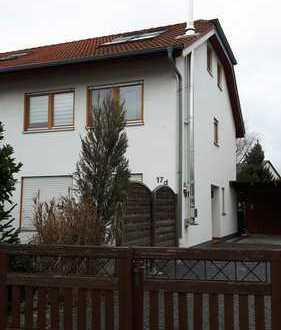 Schönes Haus mit fünf Zimmern in Bergstraße (Kreis), Lampertheim von Privat