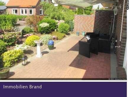 Sehr schöne 3 ZKB Erdgeschosswohnung mit Terrasse, Gartenanteil und Carport-Stellplatz!