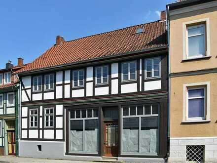 Bad Salzdetfurth: Wohn- und Geschäftshaus
