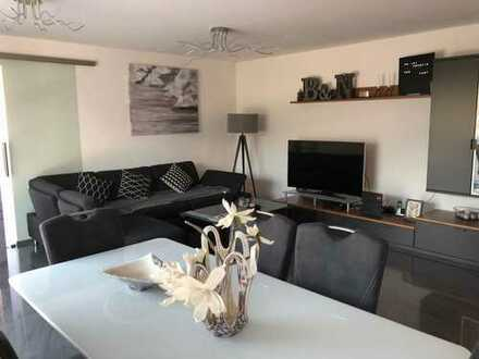 Exklusive, geräumige und neuwertige 2-Zimmer-Wohnung mit Balkon und Einbauküche in Winnenden